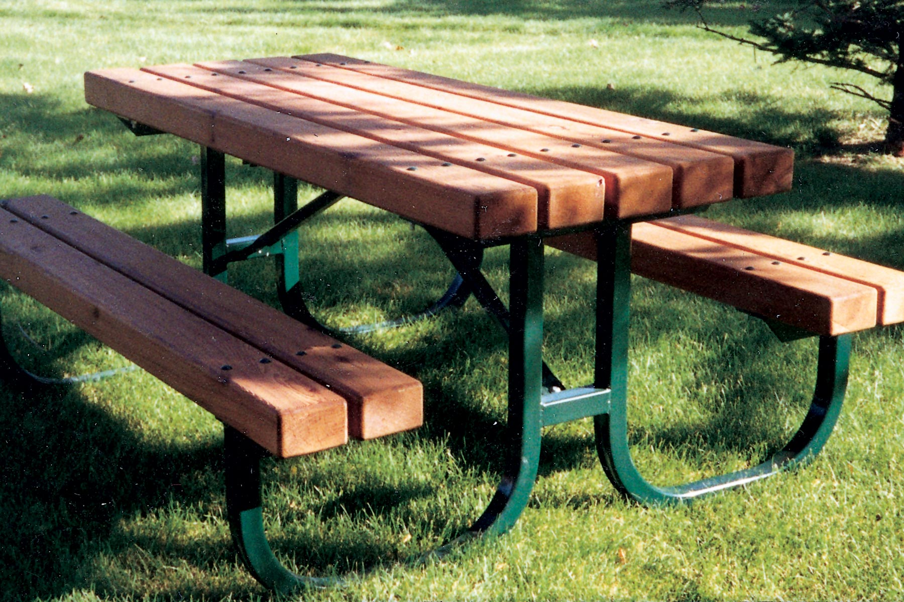 Series B Picnic Tables Custom Park Amp Leisure